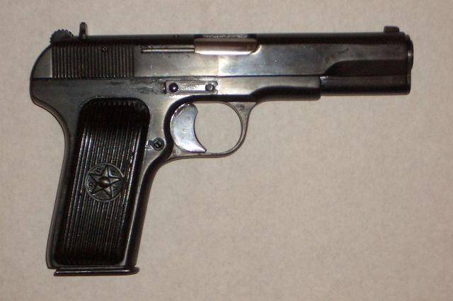 ВОренбургскомТЦ нетрезвый мужчина пугал продавца пистолетом