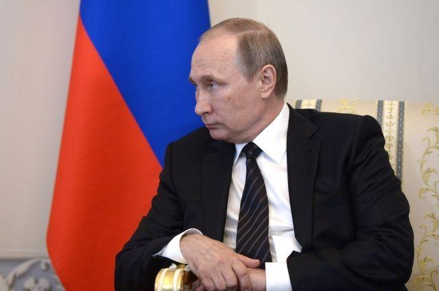Путин потребовал навести порядок всистеме оплаты ЖКХ