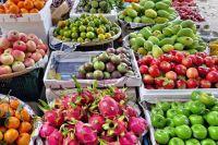 В магазинах можно купить фрукты из Таиланда, Вьетнама, Китая.