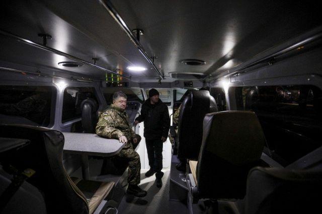 Порошенко: Место российских наблюдателей в СЦКК займут французы и немцы