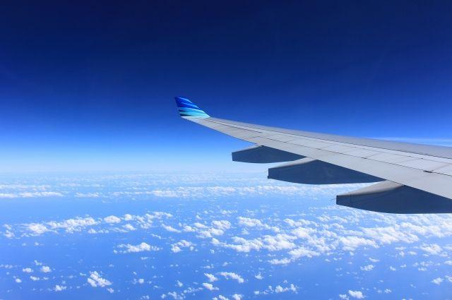 Самолет вернулся в аэропорт.