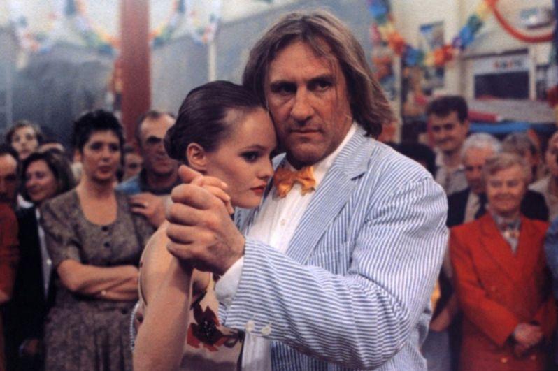 После пятилетнего перерыва в съемках она появляется на экране в фильме «Элиза» (1995) Жана Беккера вместе с Жераром Депардье.