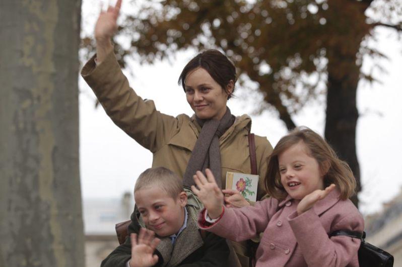 В 2011 году она снялась в фильме «Кафе де Флор» Жан-Марка Валле. Лента получила 13 номинаций на канадскую кинопремию «Джини», а Паради получила награду за лучшую женскую роль.