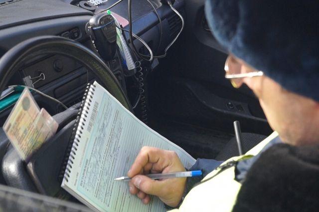 ВЧелябинской области задержали нетрезвого водителя маршрутки спассажиром всалоне