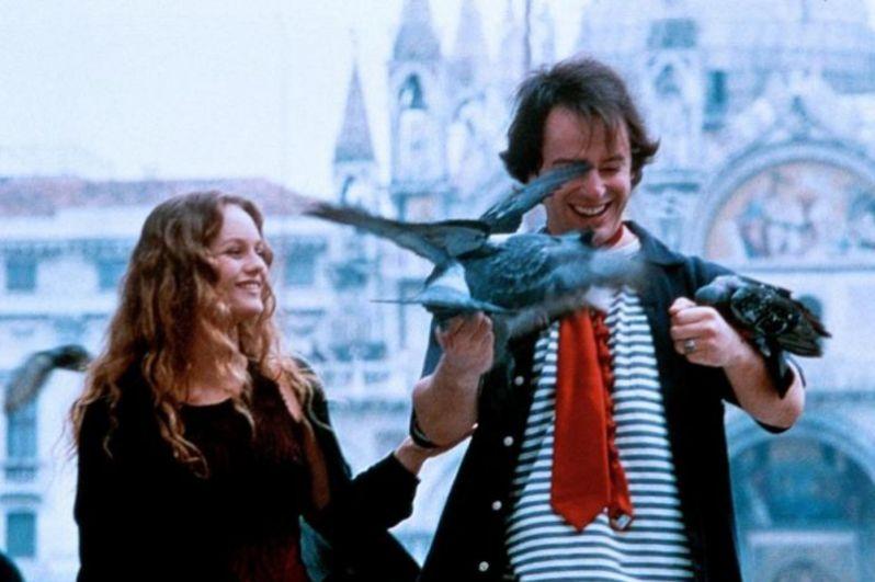 В 1997 году актриса попробовала себя в комедийной роли, снявшись в мистической комедии «Колдовская любовь» Рене Манзони вместе с Жаном Рено.