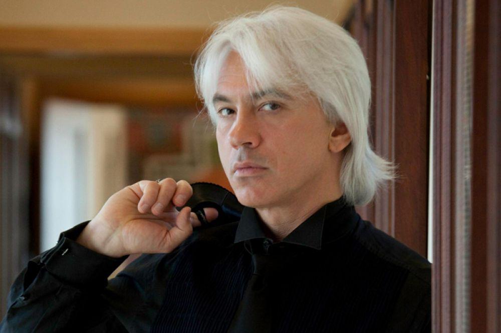 22 ноября ушел из жизни оперный певец Дмитрий Хворостовский. В последние два года исполнитель боролся с онкологическим заболеванием и проходил лечение в Лондоне.