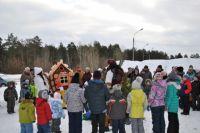 Депутаты гордумы организуют новогодние праздники для дзержинцев.