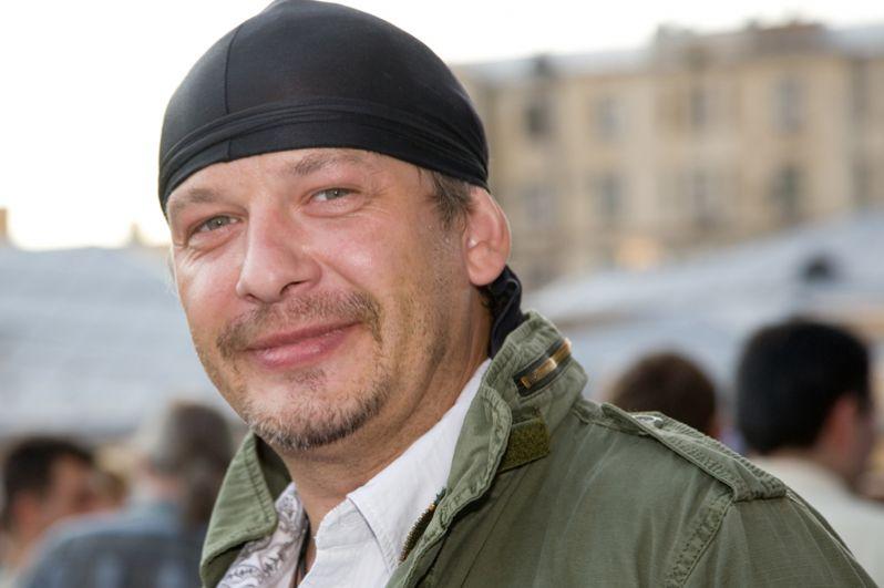 15 октября в возрасте 47 лет в подмосковном городе Лобня скончался Дмитрий Марьянов.