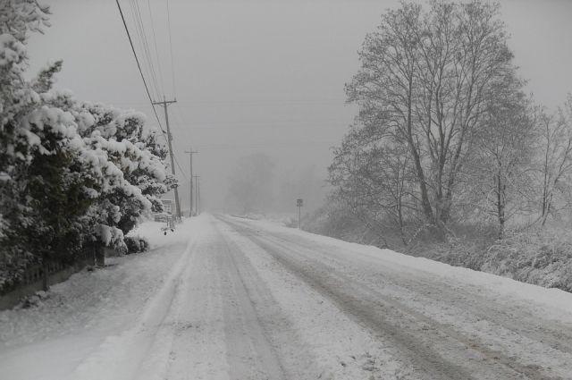 Кемеровских водителей предупредили об обильном снегопаде.
