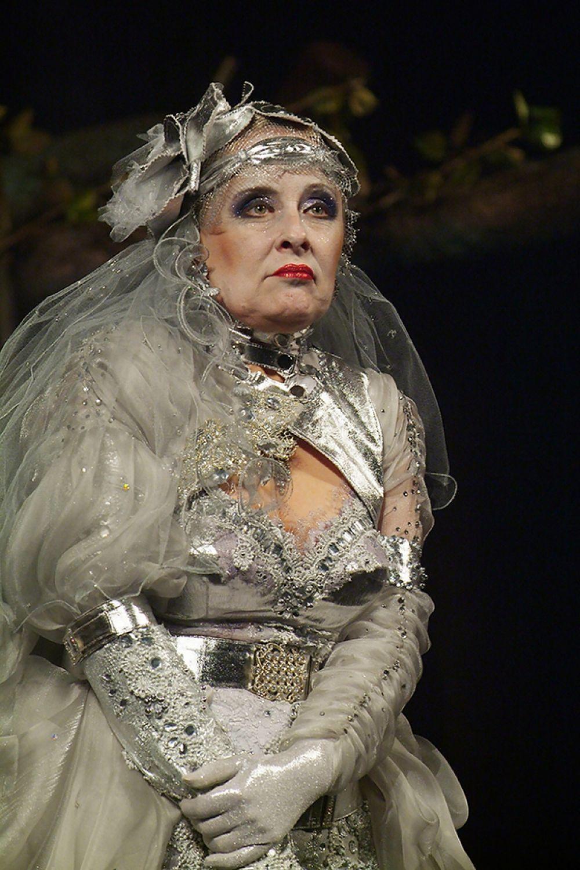 Светлана Романова в главной роли в спектакле «Визит дамы»