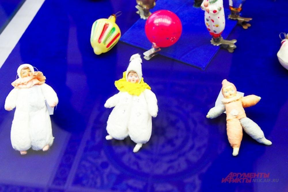 Многие игрушки сохранились в первозданном виде.