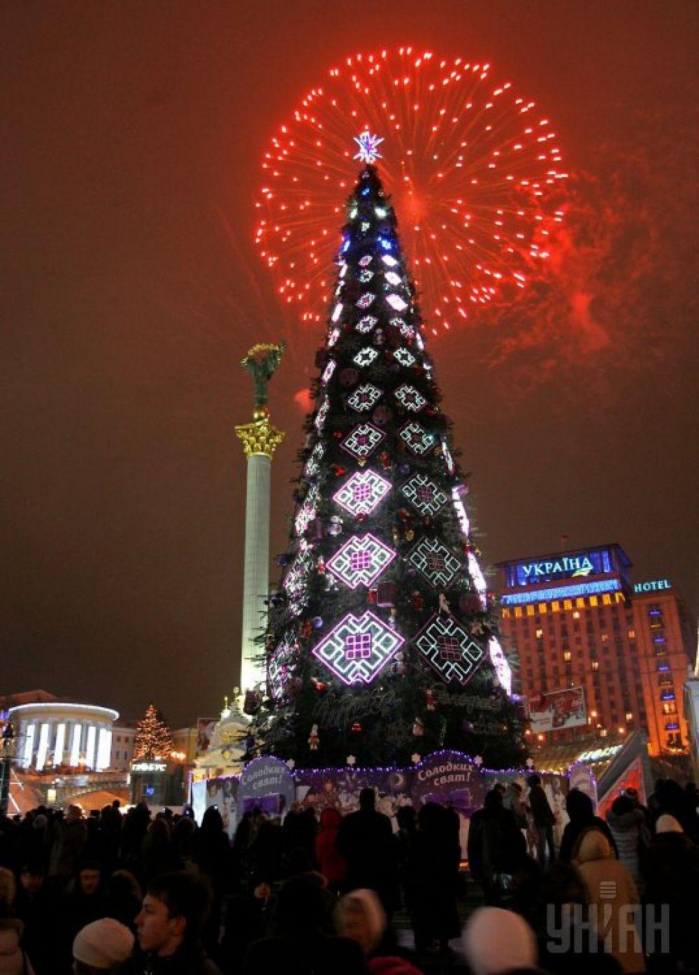 Новогодняя елка на Майдане в Киеве, встреча 2011-го.