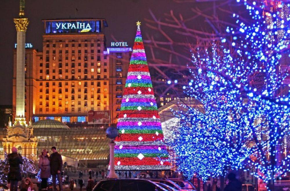 Главная новогодняя елка страны на Майдане 2012-го.