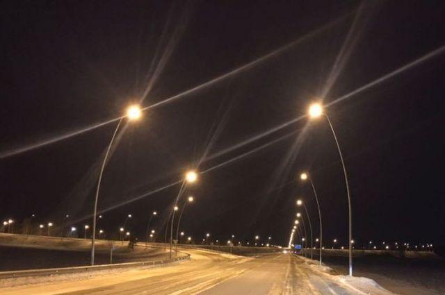 Наподъезде каэропорту «Красноярск» включили новейшую систему освещения