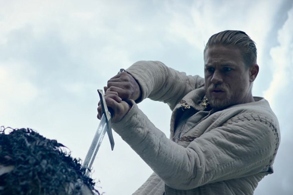 В списке разочарований оказался фильм Гая Ричи «Меч короля Артура». При бюджете в 175 млн долларов он собрал в мировом прокате 148 млн, из которых в США — 39 млн, в России — 12 млн, а в Китае — 8 млн.