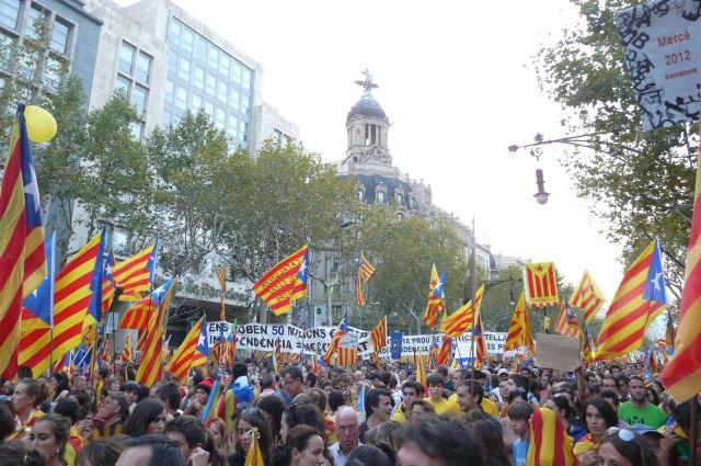 Что означает победа сепаратистов на выборах в парламент Каталонии?