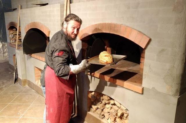 Национальная кулинарная традиция - один из признаков национальной идентичности, считает Максим Сырников.