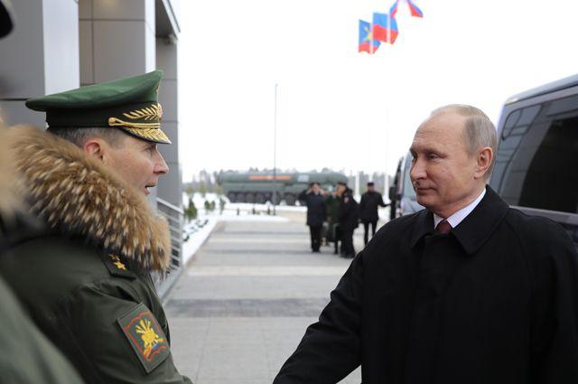 Президент РФ Владимир Путин во время посещения Военной академии Ракетных войск стратегического назначения имени Петра Великого.