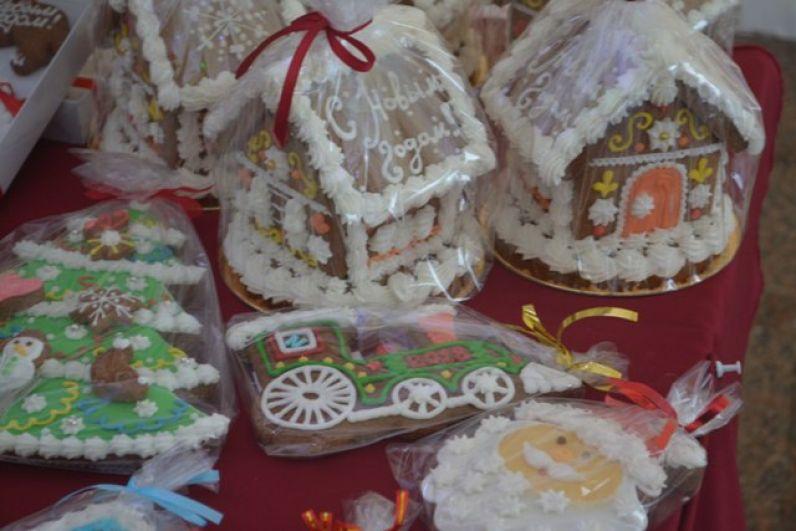 Праздничная лавка с сувенирами
