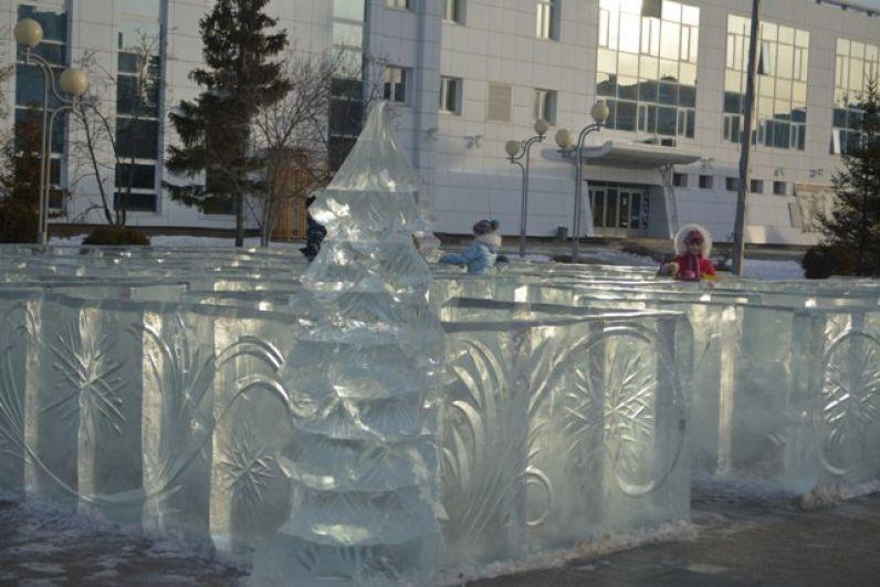Ледовые скульптуры выполнены екатеринбургскими мастерами