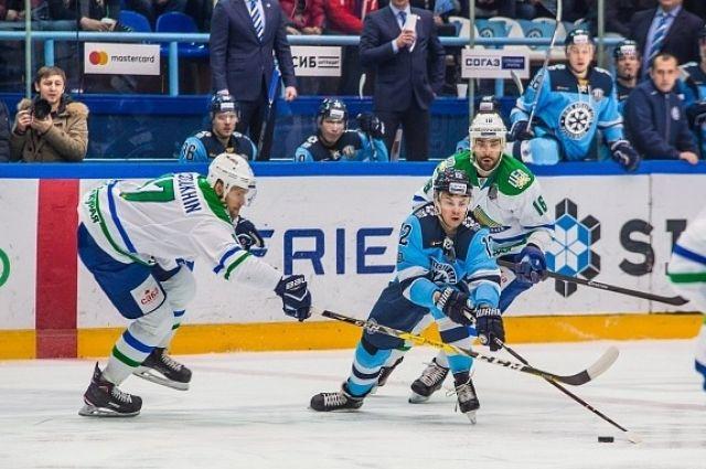 «Салават Юлаев» обыграл «Сибирь», проигрывая походу встречи 0:3