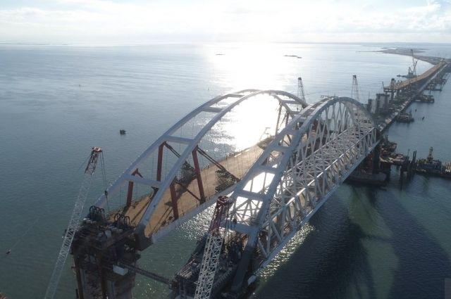 На Крымский мост требуется еще три млрд рублей из-за непригодного грунта