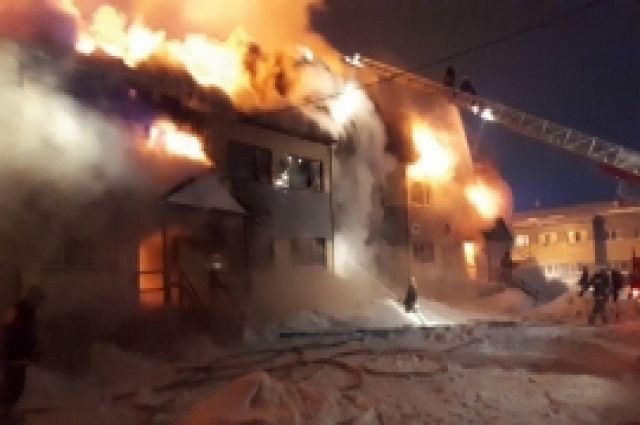 НаЯмале 4 человека погибли впожаре вжилом доме