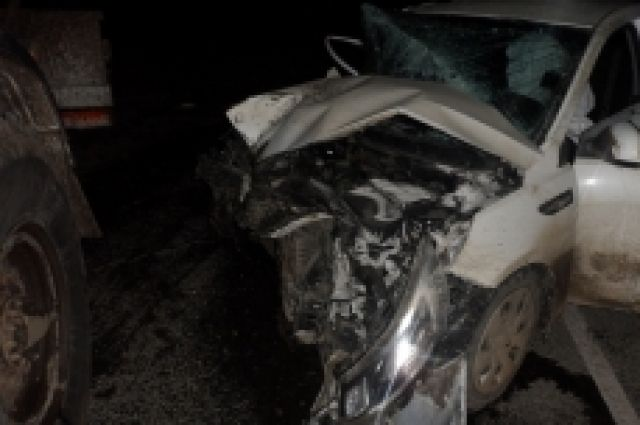 На трассе Оренбург-Самара столкнулись Kia и «КамАЗ», есть пострадавшие.