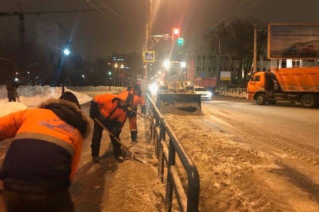 Заночь изСамары вывезли 3 тысячи тонн снега