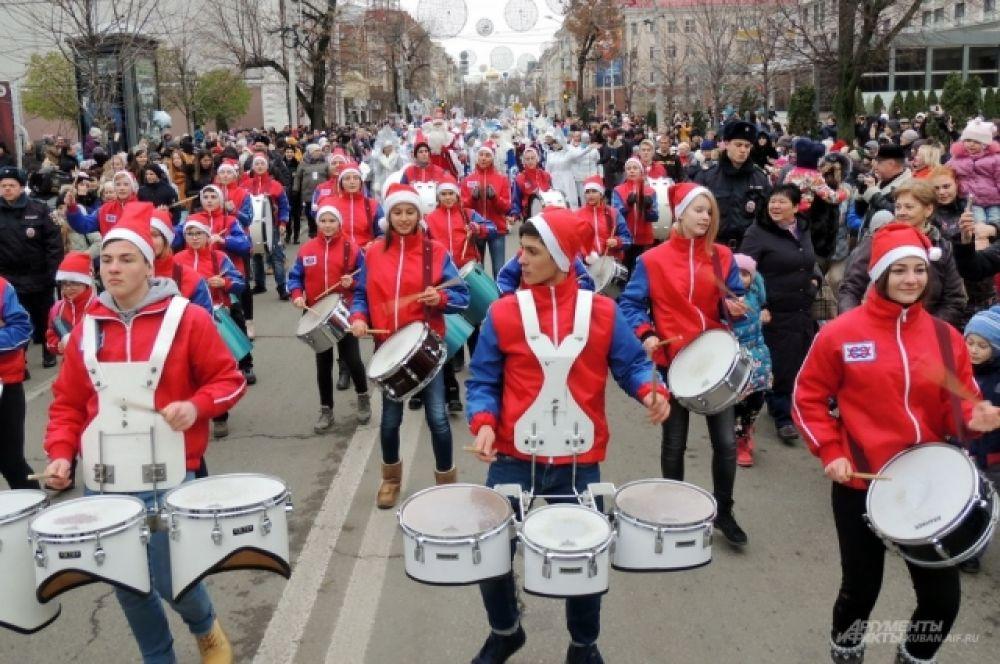 «Юнги»-барабанщики.