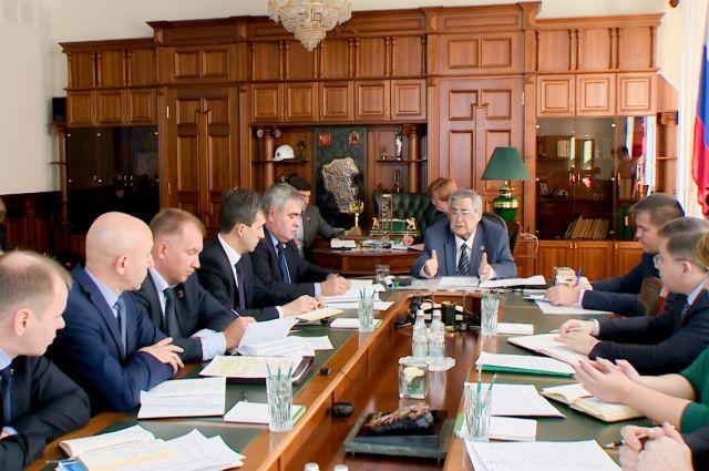 Губернатор провел заседание антитеррористической комиссии перед праздниками.