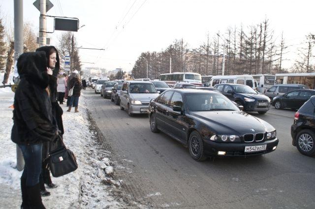 Зимой на дорогах нужно быть особенно внимательными.