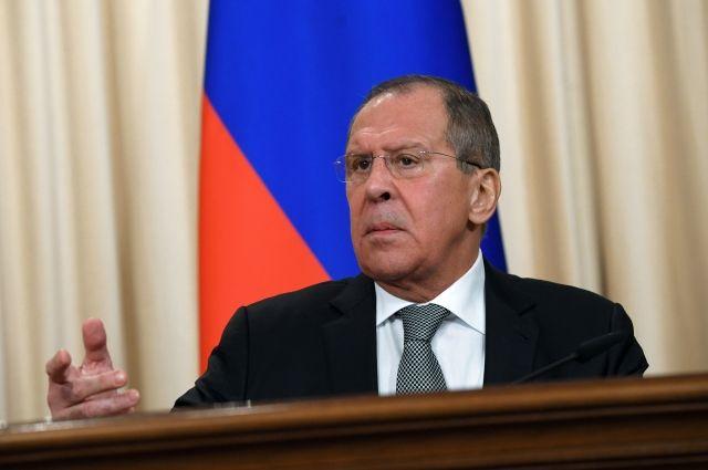 Сроки проведения новоиспеченной встречи В. Путина иТрампа пока необсуждались— Лавров