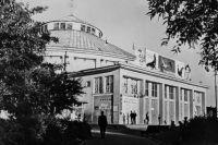 Так выглядело здание цирка в советские годы.