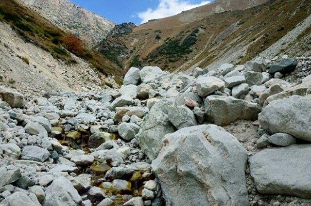 Перекрытую из-за камнепада дорогу вДагестане могут расчистить кполудню вторника