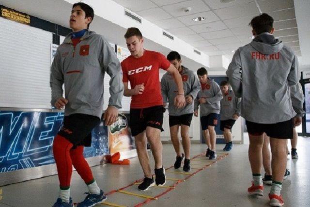 Хоккеисты молодёжной сборной России готовятся к чемпионату мира