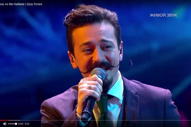 На стороне Ивана, который исполнял песню Avicii «Wake Me Up» оказалось 66 % голосов. Имя победителя объявила певица Вера Брежнева.