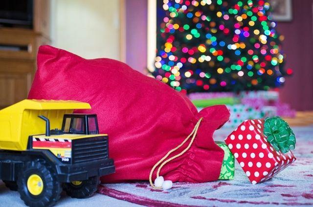 Что было в мешке Деда Мороза в прошлом веке и какие подарки дарит зимний волшебник сегодня?