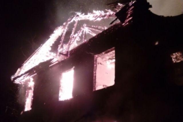 Чаще всего пожары в новогоднюю ночь происходят в жилом секторе.