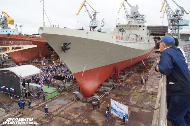 Минобороны передан новый сторожевой корабль «Адмирал Макаров».