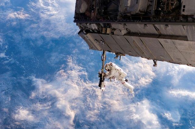 К своему полету космонавт готовился 10 лет.