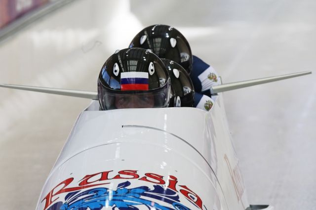 МОК попросил российских бобслеистов сделать цвет бобов «не таким красным»