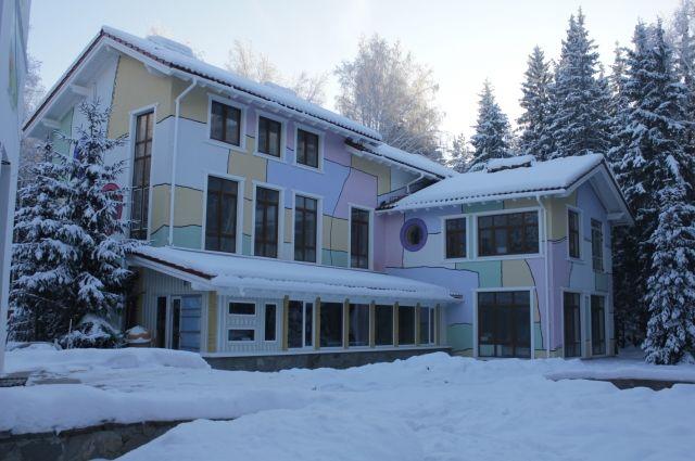 Здание терапевтического комплекса полностью достроено.