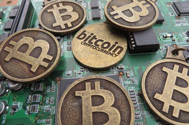 Инвесторы ожидают обновления кода биткоина нафоне его падения