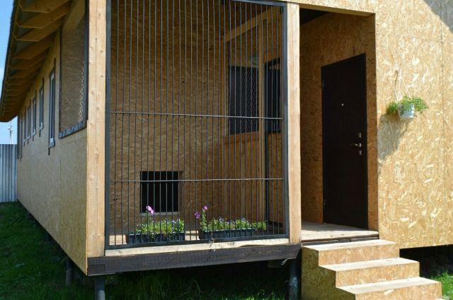 Современные гостиницы для животных в Перми оборудованы даже летними верандами-вольерами.