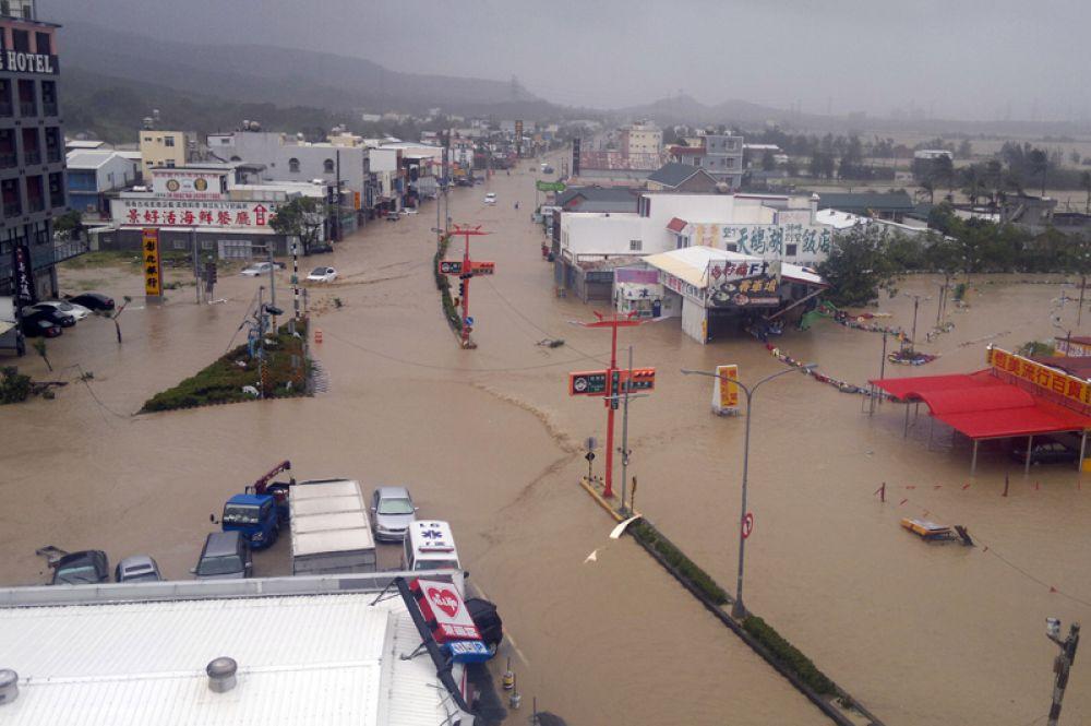 Затопленное поселение Хэнчунь в округе Пинтун, Тайвань.