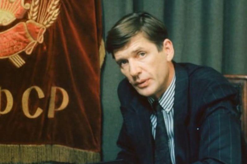 Александр Абдулов в фильме «Гений» (1991).