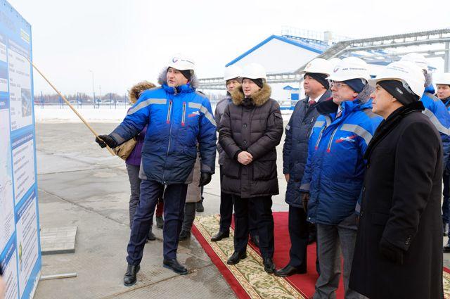 Для гостей провели экскурсию по новым объектам станции «Ковали-1».