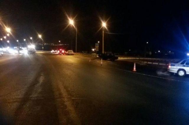 Шофёр легковушки умер вДТП на пригородном шоссе вОренбурге