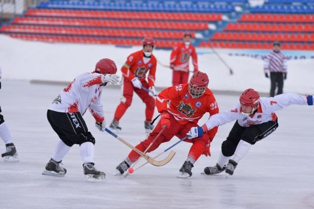 Оренбургский ХК «Локомотив» открыл сезон домашних игр.